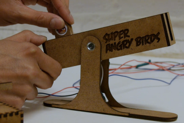 Super Angry Birds   a Tangible Controller