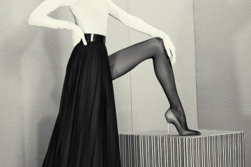Karlie Kloss by Roe Ethridge (A Head For Business And A Bod For Sin - Acne Paper #14 Fall 2012)