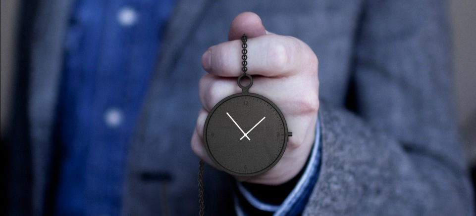 pocket_watch_in_hand_people_people1