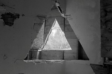 Quiet_Lunch_James_Nizam_two-triangles1