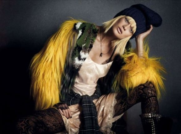 la-modella-mafia-rebel-romance-Carolyn-Murphy-x-Vogue-Germany-December-2012-photographed-by-Daniele-Iango-2 (604x447)