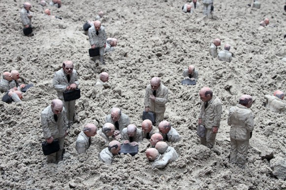 Follow the Leader. (Courtesy of Isaac Cordal.)
