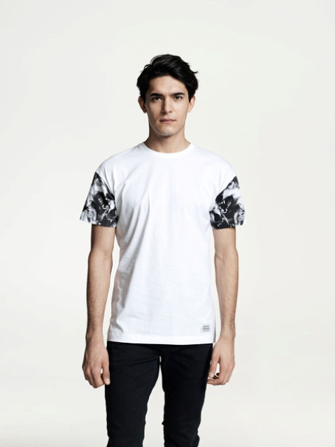 """Black Wolves"" Sleeve Printed Tee. 