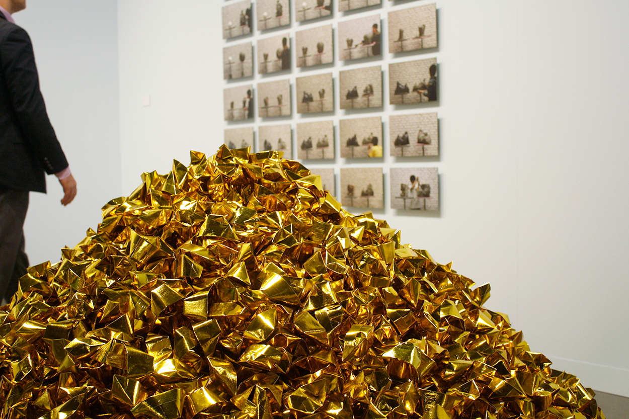 quiet-lunch-art-basel-2014-galerie-urs-meile-beijing-hu-qingyan-mountain-of-gold