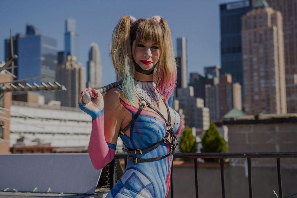 QUIET LUNCH.  x  New York Comic Con.   Harley Quinn Body