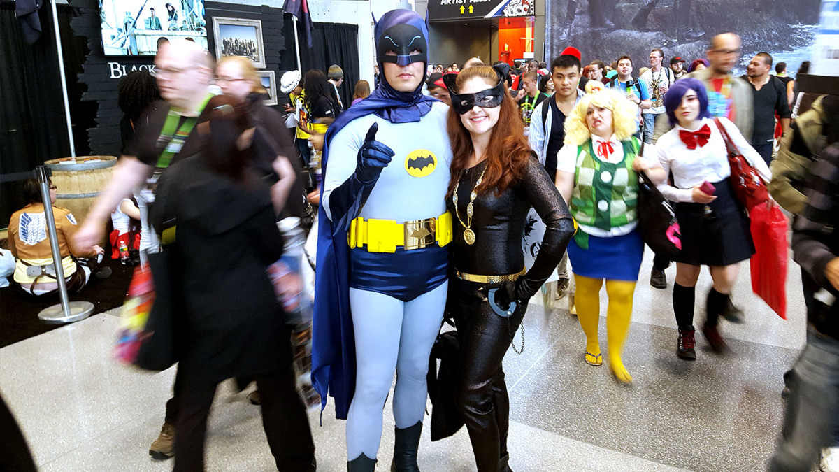 quiet-lunch-new-york-comic-con-2015-cosplay-batman-catwoman-classic-60s