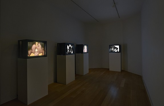 Installation view of Kiss Off, Luxembourg & Dayan, New York, 2018. Photo: Andrew Romer. Courtesy Luxembourg & Dayan, New York.