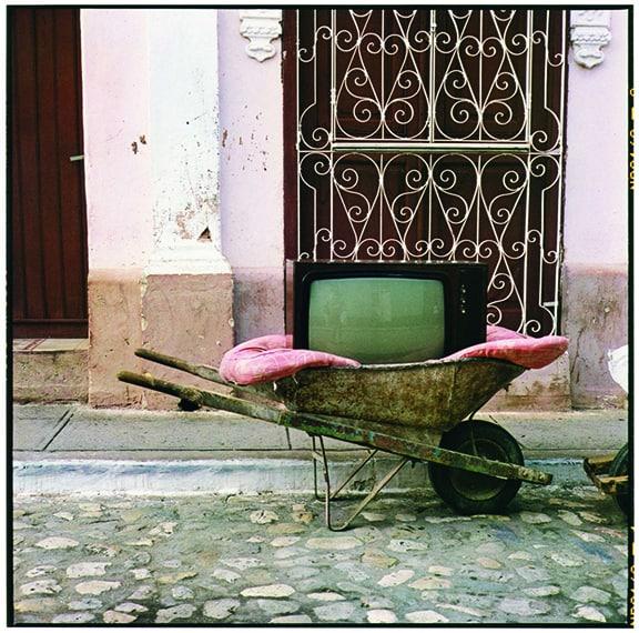 Zoe Leonard, TV Wheelbarrow, 2001